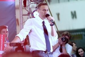 «Главврач больницы в Омске хуже, чем тайные агенты, которые убивают людей» - Навальный дал первое интервью ...
