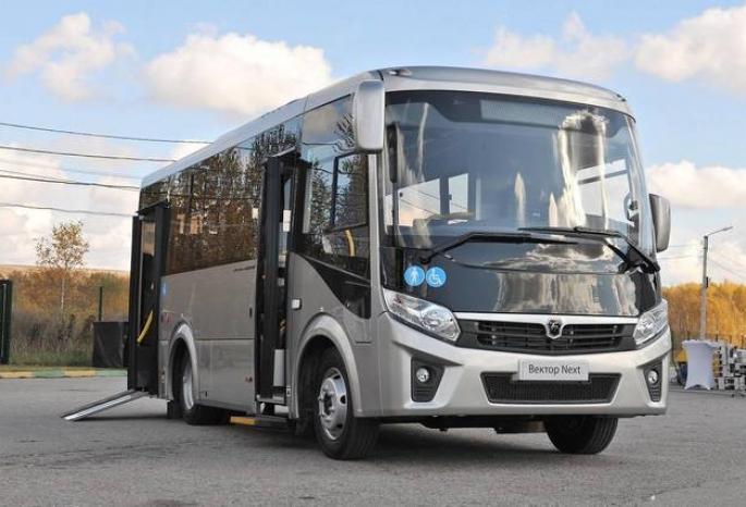 В Омске заработали доступные для инвалидов автобусы