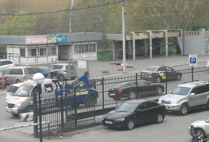 Эвакуированный в Омске «Бентли» может принадлежать экс-депутату Гаврилову