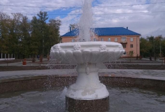 В Омске с фонтана смылась свежая краска