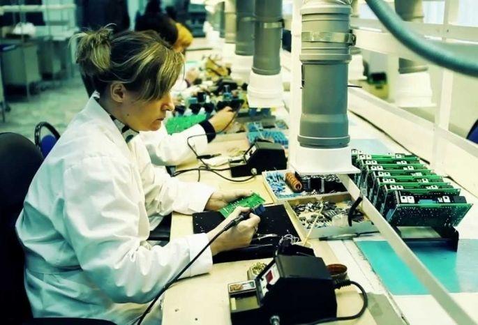 Омские производители электроники заплатили 3,3 млрд рублей налогов