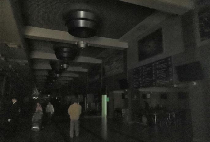 Из-за аварии на подстанциях пассажиры провели больше трех часов в зоне досмотра омского аэропорта