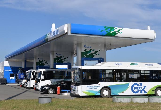 В Омске открыли первую заправку для автобусов на метане