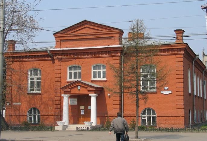 Обрушился вход в здание омской епархии