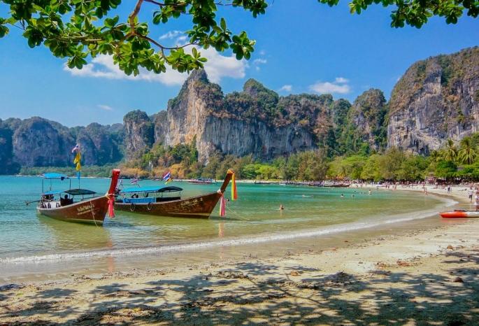 Самолет с омичами улетел в Таиланд несмотря на пандемию