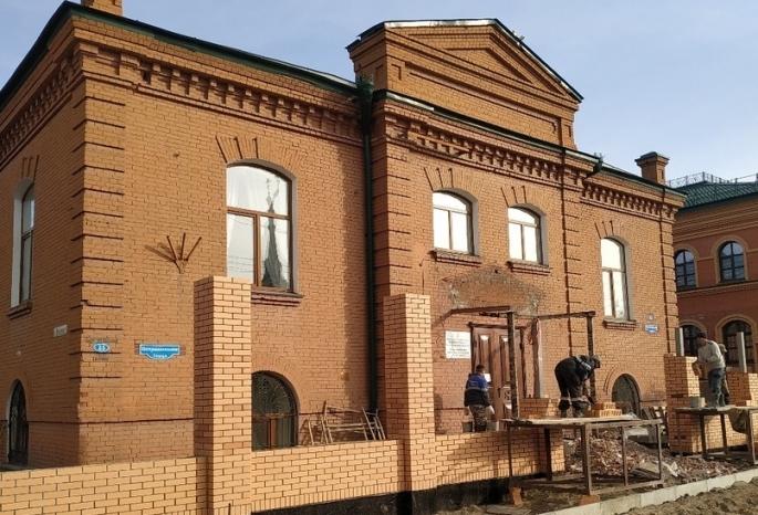 «Экспериза подтвердила снос портика на здании омской епархии» - ВООПИК