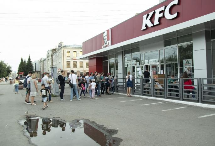 За время пандемии омичи потратили в местных ресторанах и кафе почти 11 миллиардов рублей