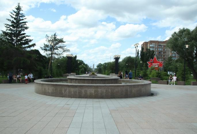 В Омске крупные городские фонтаны оказались отключены в жару — их не запустили из-за аварийного состояния