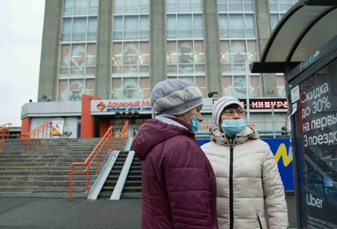 После общественного резонанса мэрия приостановила вырубку 16 тополей ради новой остановки в центре Омска