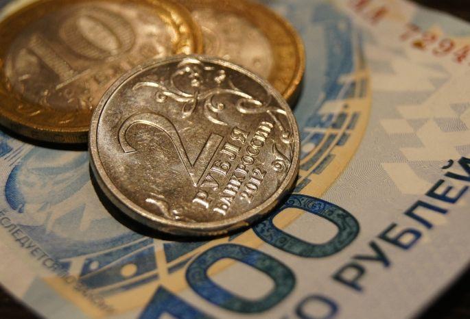Уехавшие назаработки омичи выплатили чужим бюджетам 5,4 млрд руб.