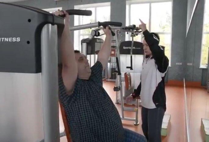 Омский чиновник Станислав Сумароков публично объявил, что будет худеть
