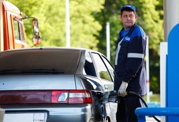 Красноярск стал первым среди городов Сибири подешевизне бензина