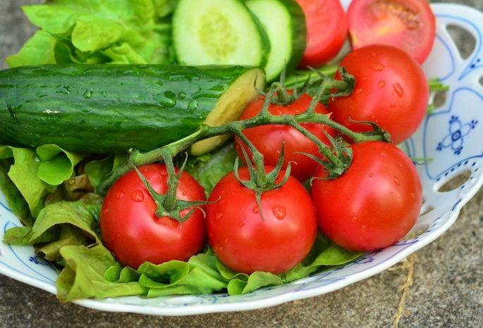 ВОмске взлетели цены наогурцы, помидоры иапельсины