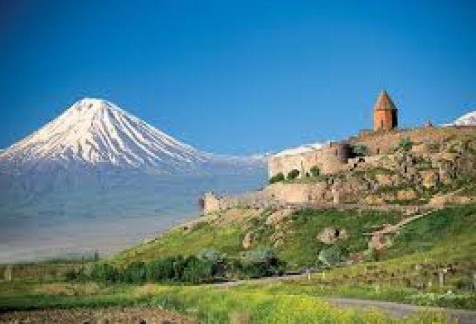 Россиянам разрешили въезжать вАрмению повнутреннему паспорту