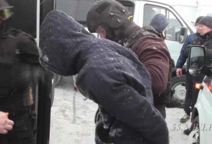 В Омске водителем маршрутки работал разыскиваемый убийца из Севастополя
