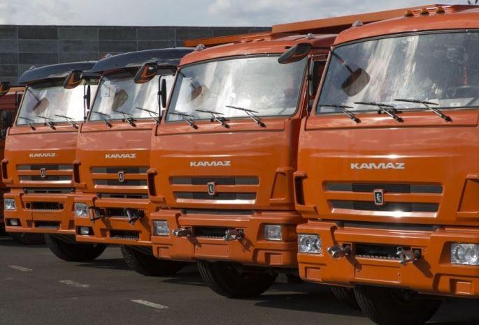ВОмске приговорены работники компаний захищение экскаваторов исамосвалов