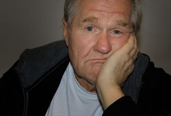 ВОмской области пенсионер два месяца не подмечал  пропажи 579 000 руб.