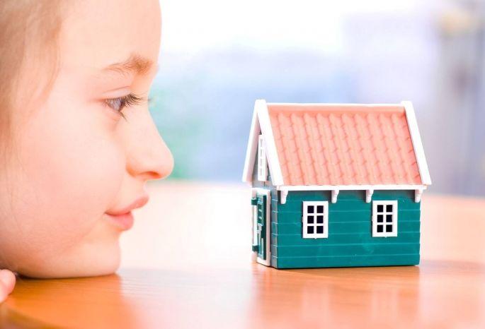 ВОмской области сироты ожидают жилья больше 10 лет