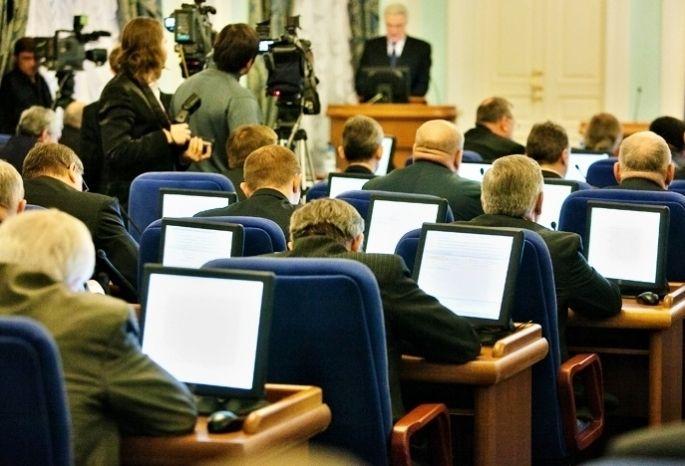 Омские чиновники скромничают, когда информируют о собственных доходах