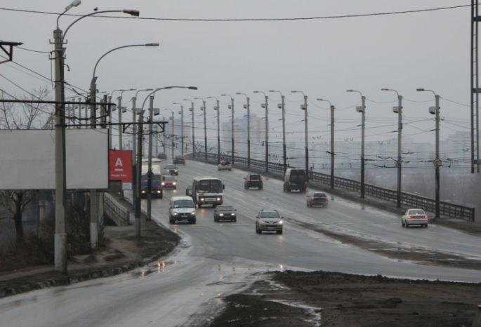 Суд заставляет омскую мэрию провести обследование моста имени 60-летия ВЛКСМ