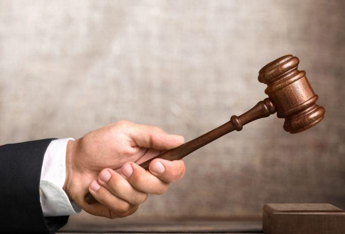 Омичку, выгнавшую сына раздетым намороз, оштрафовали на18 тыс.