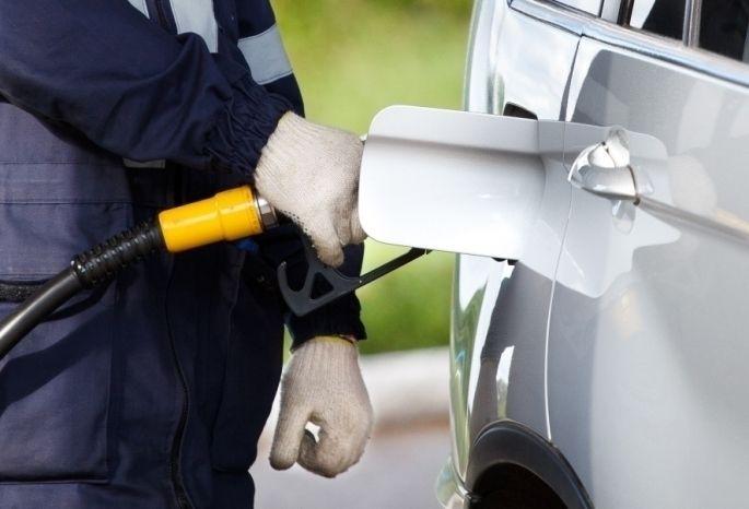 Бензин вКрасноярске снова записали водин изсамых доступных вСибири