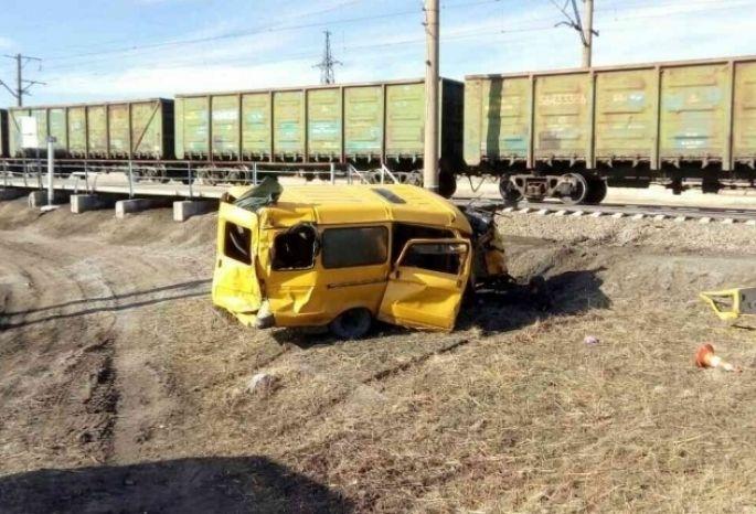Ученический автобус, попавший под поезд вОмской области, был на100% исправен