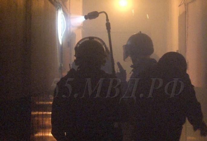 ВОмске мужчина застрели сожительницу издробовика