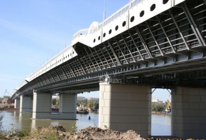 Дорожное покрытие омского метромоста отремонтирует ООО«Стройсервис» изТавричанки