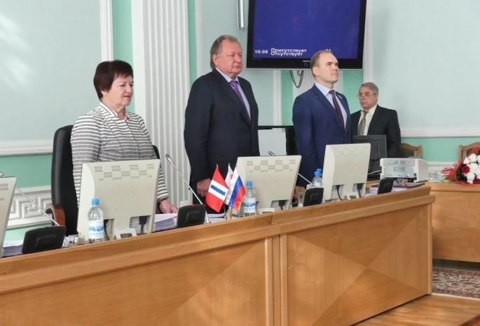 Народные избранники омского горсовета впервый раз рассекретили доходы