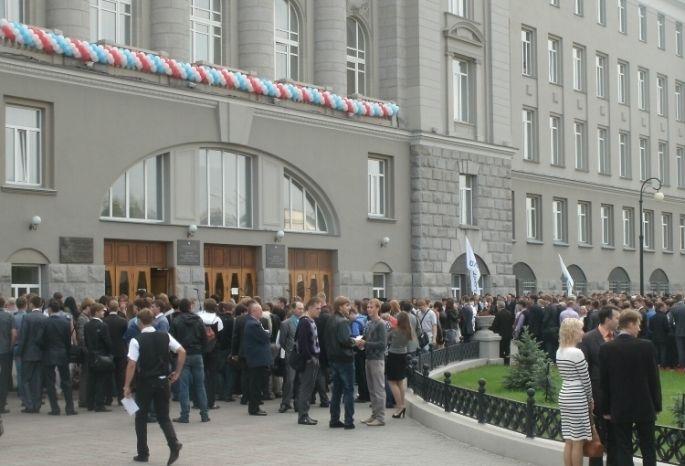 Отзыв лицензии уОмГУПСа установил омских студентов перед выбором
