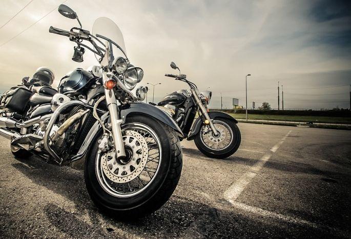 Мотоциклистам запретят ездить ночами на 2-х дорогах левобережья