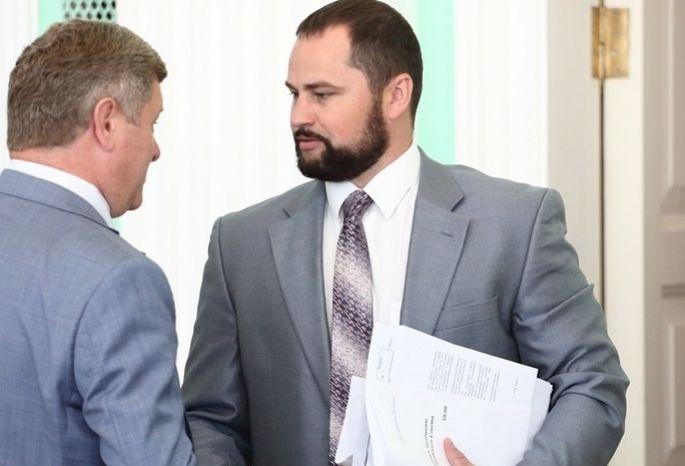 Уомского экс-депутата и предпринимателя забрали половину дома