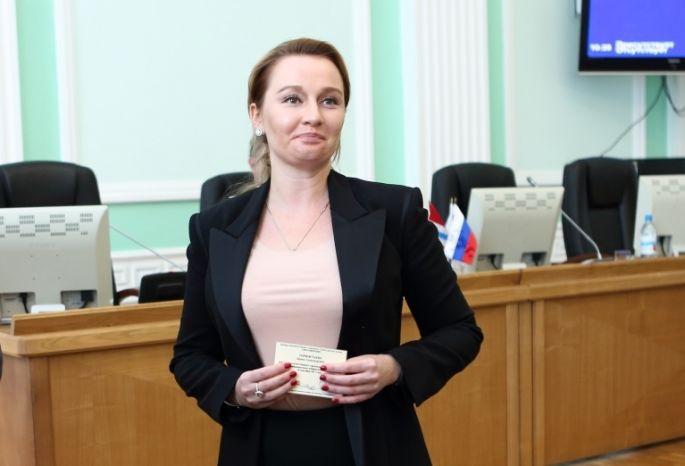 Депутат Горностаева уволила госпитализированную омичку «всвязи сутратой доверия»