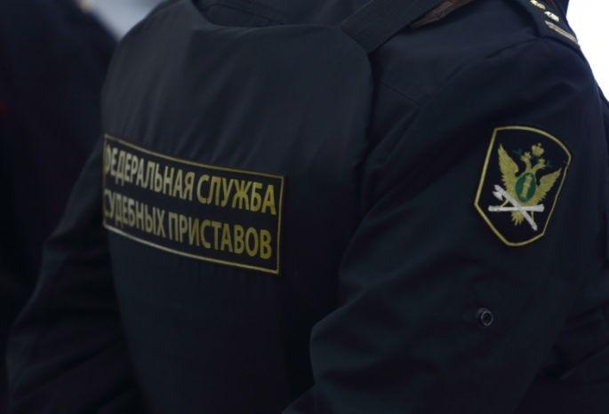 Приставы 13 часов караулили екатеринбуржца, задолжавшего поалиментам млн руб.