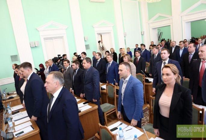 Омские народные избранники несмогли определиться, кому получать заработную плату