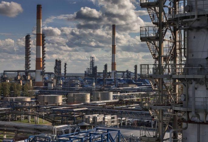 НИПИГАЗ и«Газпромнефть— Омский НПЗ» заключили сделку на35,8 млрд руб.