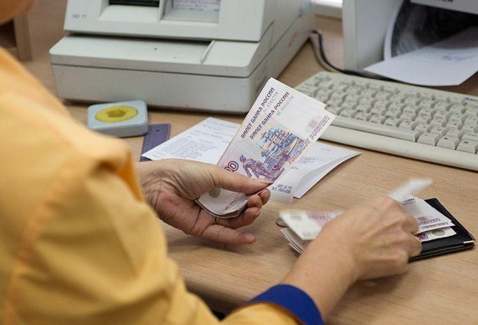 Омские чиновники оставили 77 детдомовцев без денежных пособий