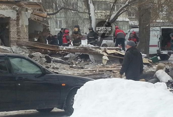 Два человека погибли в итоге обрушении стены дома вОмске