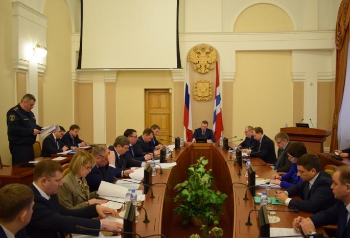 Бурков распорядился подготовить список омских квартир, где выплачивают загаз понормативу