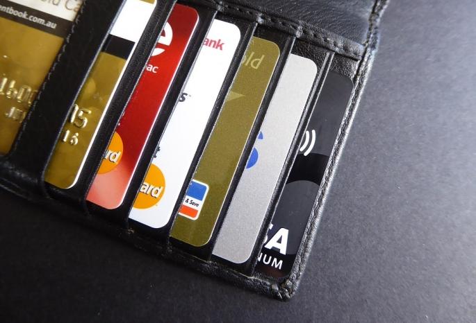 Омичи сделали 130 млн закупок побанковским картам