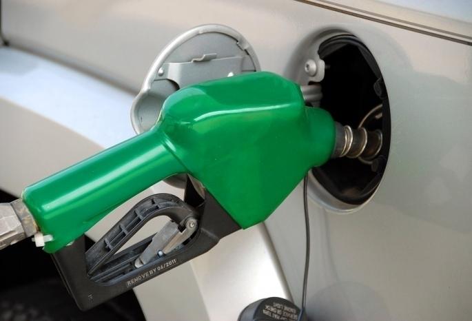 Средняя цена бензина превысила 40 руб. залитр