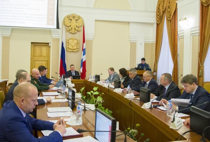 Бурков призвал каждое 1мая вОмске увеличивать заработную плату