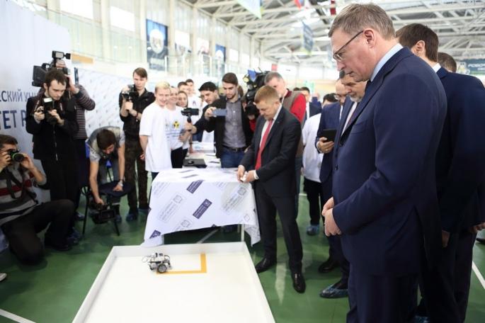 Советник Александра Буркова ушел из руководства Омской области